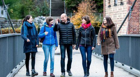 Thomas Kiechle mit seiner Frau und seinen drei Töchtern